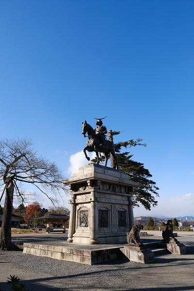 仙台城址公園の伊達政宗公の像