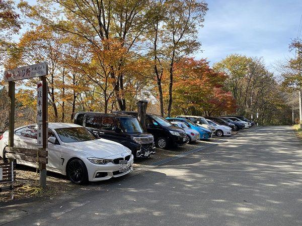 手打ちそばもみじ野の駐車場の風景写真