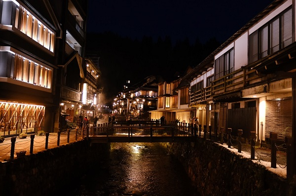 定年後の趣味写真 銀山温泉の夜景写真